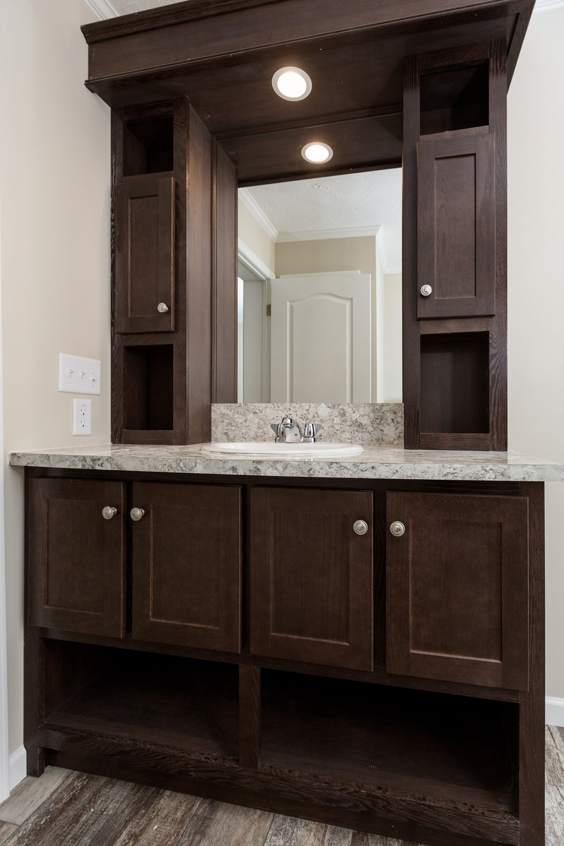 The HYDE PARK 5228-508-1 Master Bathroom. This Manufactured Mobile Home features 3 bedrooms and 2 baths.