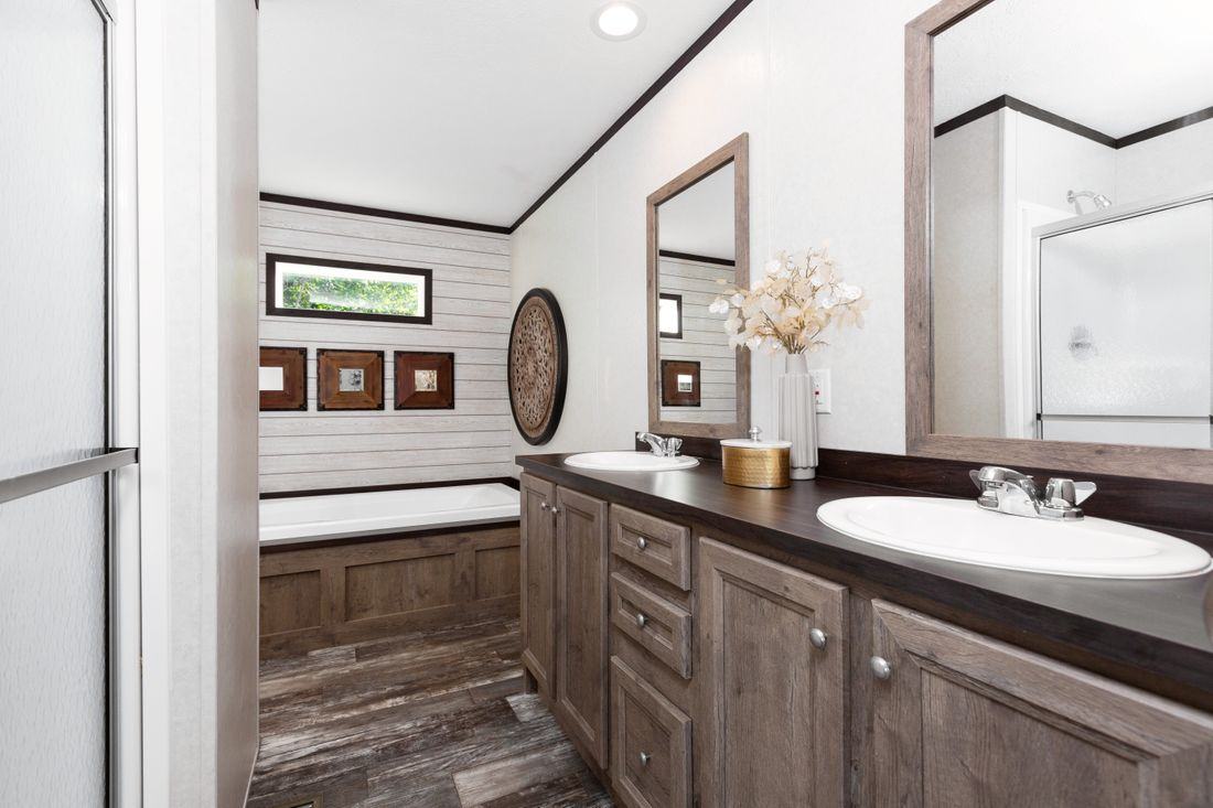 The VISION 64 Master Bathroom. This Manufactured Mobile Home features 3 bedrooms and 2 baths.